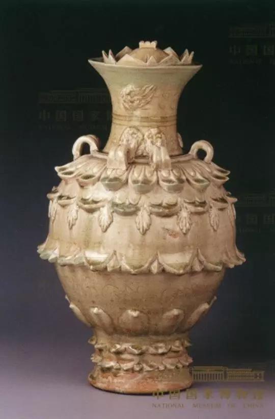 南朝青瓷莲花尊,现藏国家博物馆