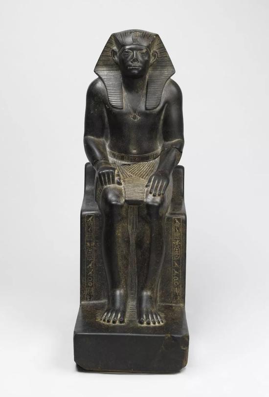 法老辛努塞尔特三世花岗岩雕像   现藏于布鲁克林博物馆