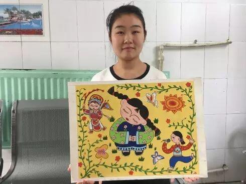 聋人大学生王超琪将自己的画作进行慈善拍卖,所得善款将全部用于公益事业