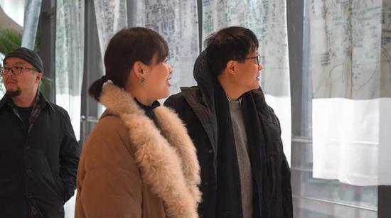 ▲(右)吕澎(著名艺术史家、策展人)