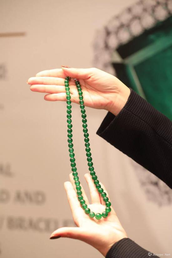 珍罕天然翡翠配红宝石项链  估价:HKD 6,500,000-8,000,000