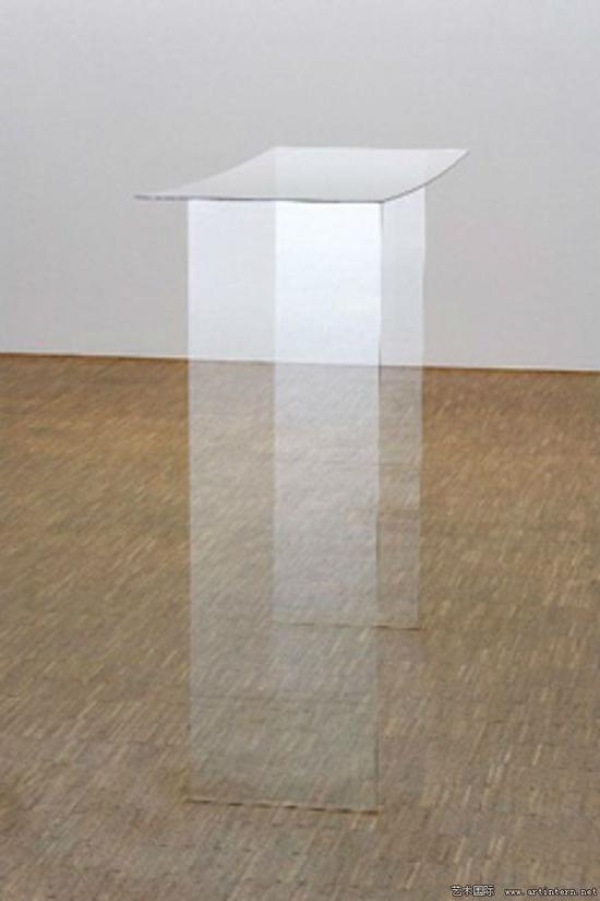 基蒂﹒克劳斯《无题》玻璃雕,1.25×1.50×39cm