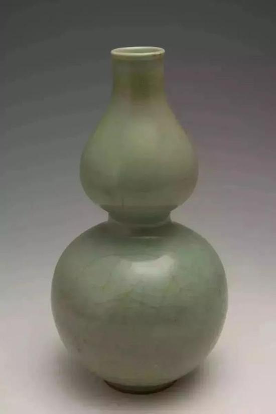 龙泉窑青瓷葫芦瓶 青田县文物管理委员会办公室藏