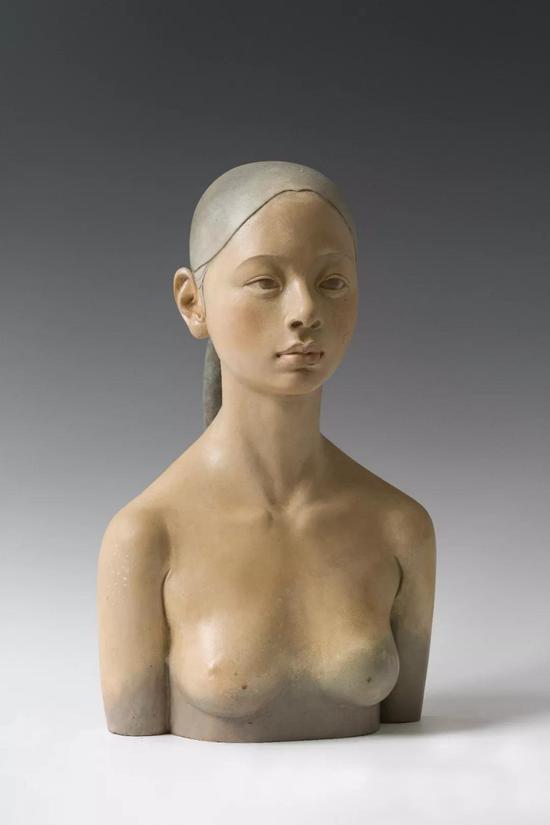 《女孩儿—2》49x23x29cm青铜2016年