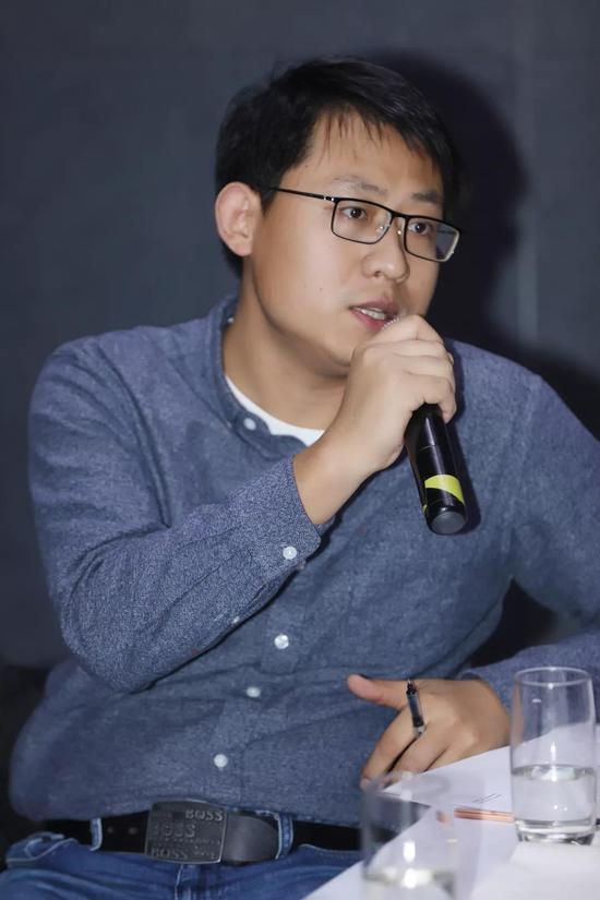中国互联网新闻中心·艺术中国副总编辑 许柏成
