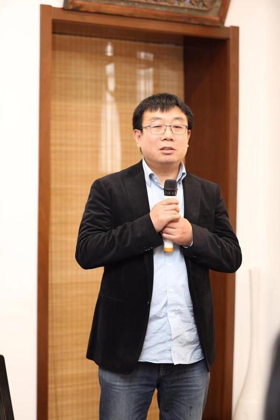 中国艺术研究院副研究员、《美术观察》栏目主持阴澍雨先生