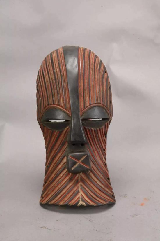 面具 佚名[刚果(金)] 年代不详 35.5×17.5×7.7cm