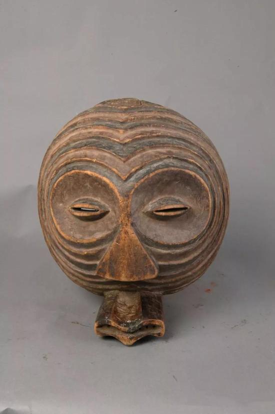 面具 佚名[刚果(金)] 年代不详 32×28.5×16.5cm