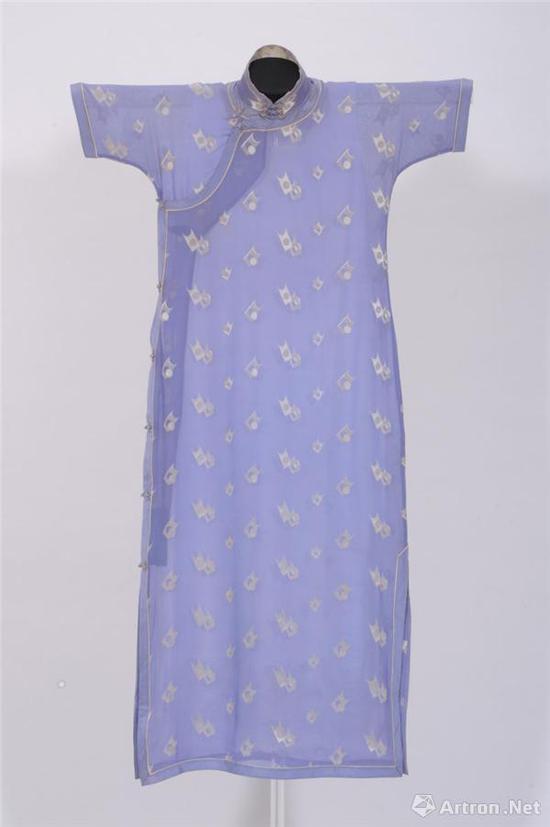 透视长衫紫蓝地短袖尖角图案透视单长衫