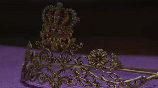 美国密苏里州历史博物馆被盗走的皇冠