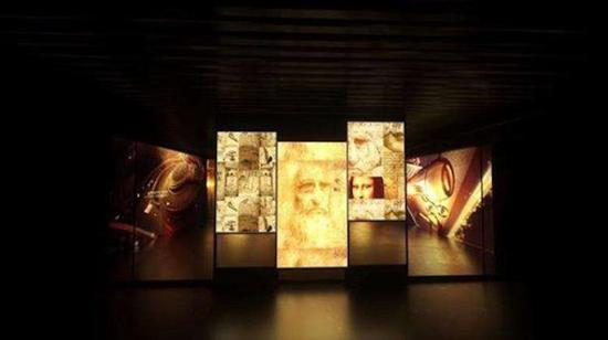 """""""达芬奇与鲁班艺术科学国际大展""""现场照片,来自展览宣传页"""