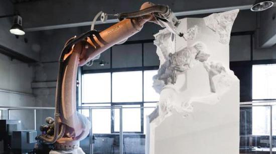 """机器正在雕刻""""拉奥孔""""。"""