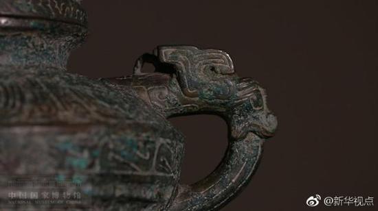 """4月11日,青铜""""虎鎣""""以41万英镑价格在英国成交。"""