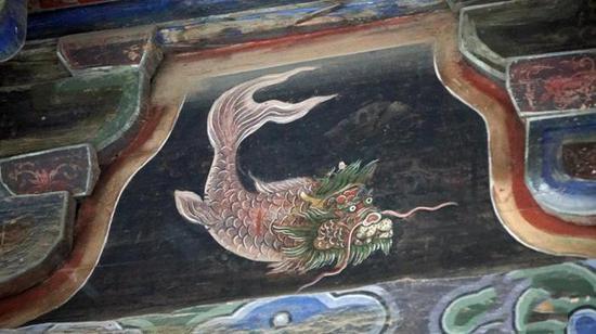 甘肃天水伏羲庙发现罕见彩绘古建《山海经》神兽图