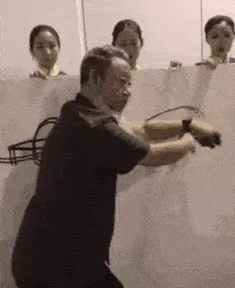 """十墨之一:网红邵岩""""射墨""""表演-2018年"""