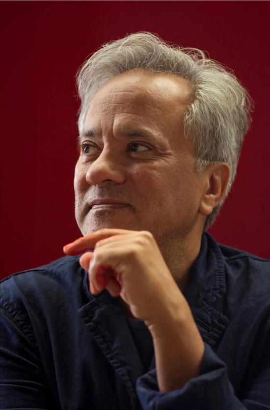 安尼施·卡普尔Anish Kapoor 摄影:Jillian Edelstein