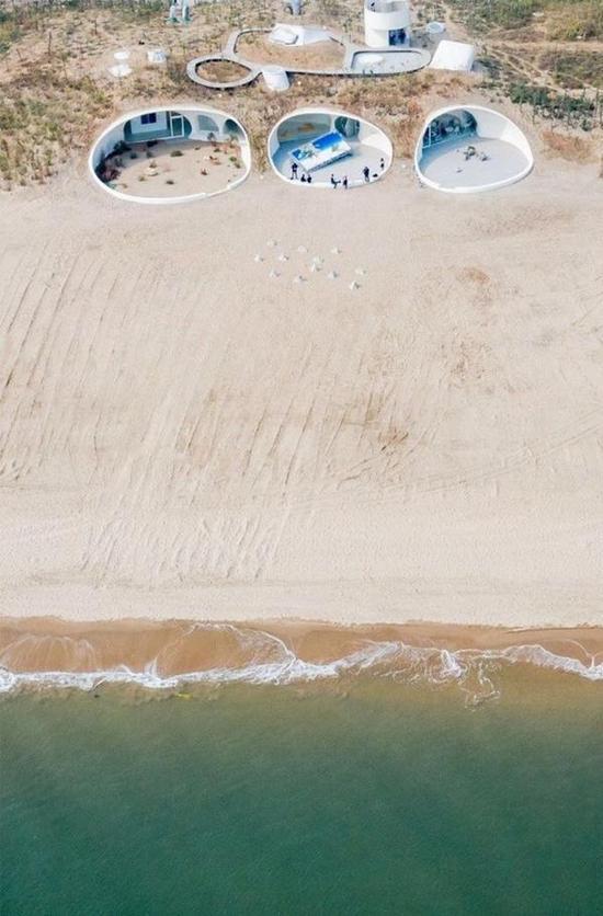 隐于海边沙丘的沙丘美术馆 供图 OPEN建筑事务所
