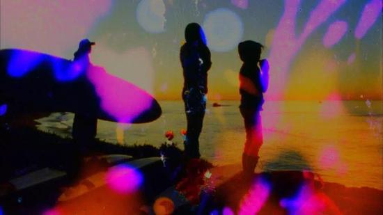 Jennifer West, 《黎明冲浪果冻碗电影》(Dawn Surf Jellybowl Film,2011)。影片截图致谢洛杉矶Marc Foxx。LACMA与余德耀美术馆去年在一个West的作品上进行了合作。