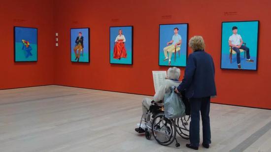 """""""最著名的英国在世画家""""霍克尼 艺术品市场的新宠儿"""
