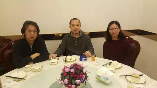 张天志与艺术批评家王南溟、艺术策展人马琳畅谈原生艺术