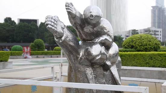 王兴刚 《生活进行时》 旗峰山公园展区