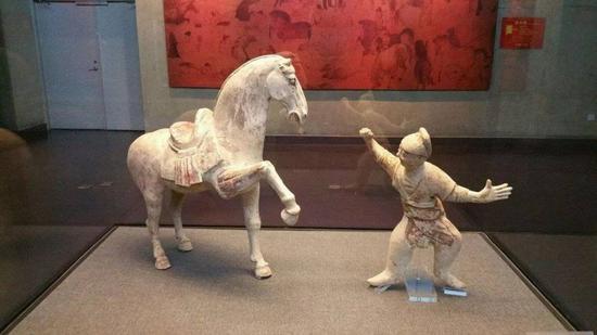 北魏陶俑。洛阳博物馆藏