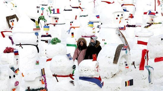 2019个雪人出现在松花江畔