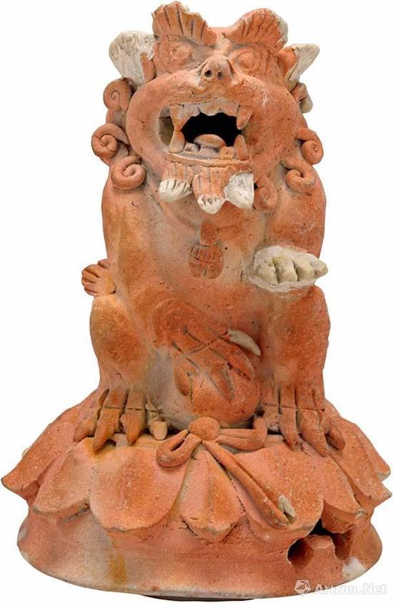 宋 笔架山窑素烧狮炉盖 高15.5厘米 底径7厘米