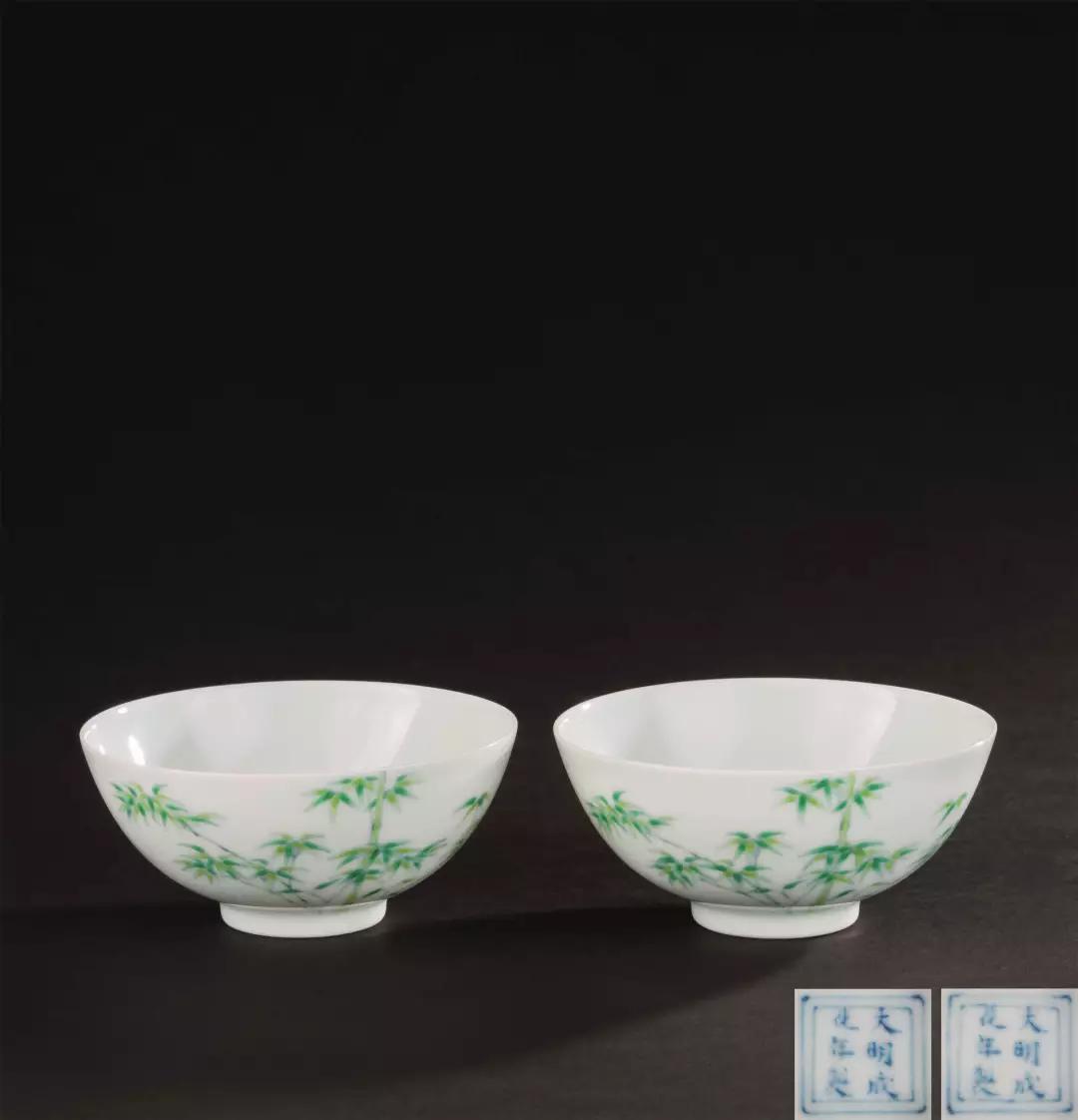 Lot 0071 清乾隆(1736-1795) 铜胎画珐琅兽耳婴戏图撇口瓶 (一对)