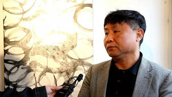 著名美術評論家 鄭崗