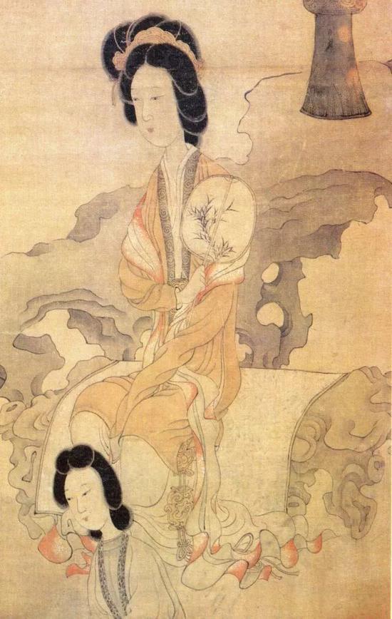 观复猫苏格格演绎的贵妇人身着披帛、曳地长裙,梳花冠,端庄典雅。