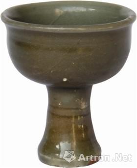 图3龙泉窑高足瓷杯