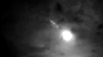 6月1日晚,陨石划破西双版纳的夜空