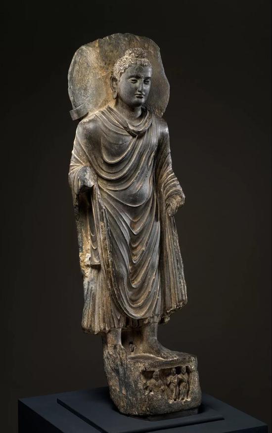 犍陀罗佛像,3世纪,美国大都会艺术博物馆藏