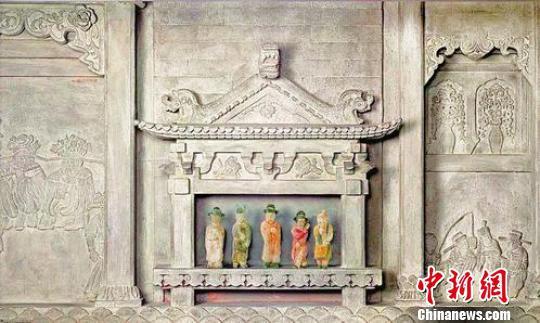 侯马金代董氏墓戏俑 山西博物院供图 摄