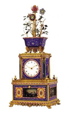 图3 铜鎏金镶嵌珐琅料石转花花盆顶水法钟
