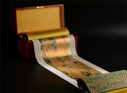 ▲金渲彩绘版《丝路山水地图》