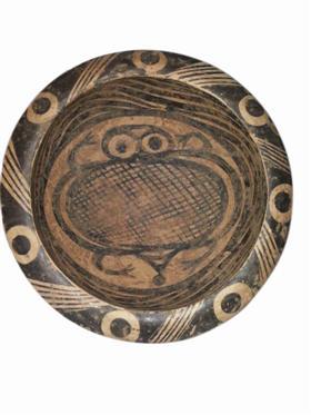 两件特殊纹饰的马家窑文化彩陶解析