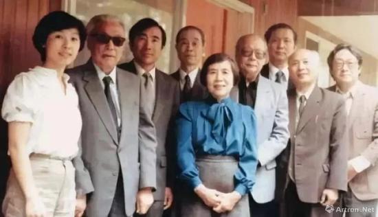 莱溪雅集:谢稚柳(左二)、徐邦达(左四)、王季迁、杨仁恺、翁万戈等