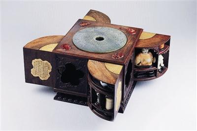 """""""皇帝的玩具盒"""""""