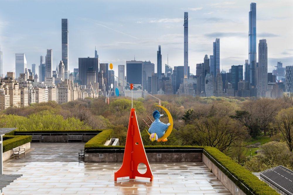 纽约大都会艺术博物馆屋顶花园的装置《只要太阳还在》