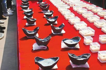 彭山江口明末战场遗址出水的众多宝物亮相。 温选鹏 摄