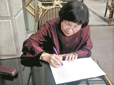 """专访让博物馆""""变年轻""""的""""网红院长""""周功鑫"""