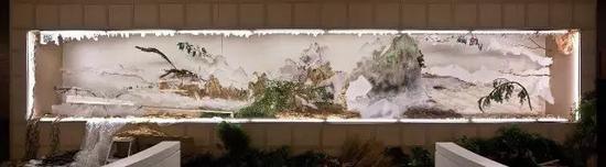 """徐冰作品""""背后的故事""""系列之《江山万里图》正面及反面,2014年,温哥华"""