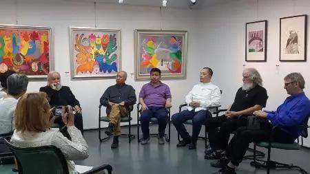法中艺术家接受雅昌艺术网采访