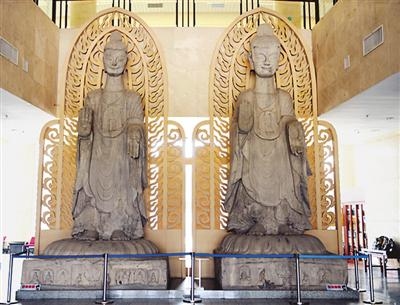 北魏双丈八佛石造像