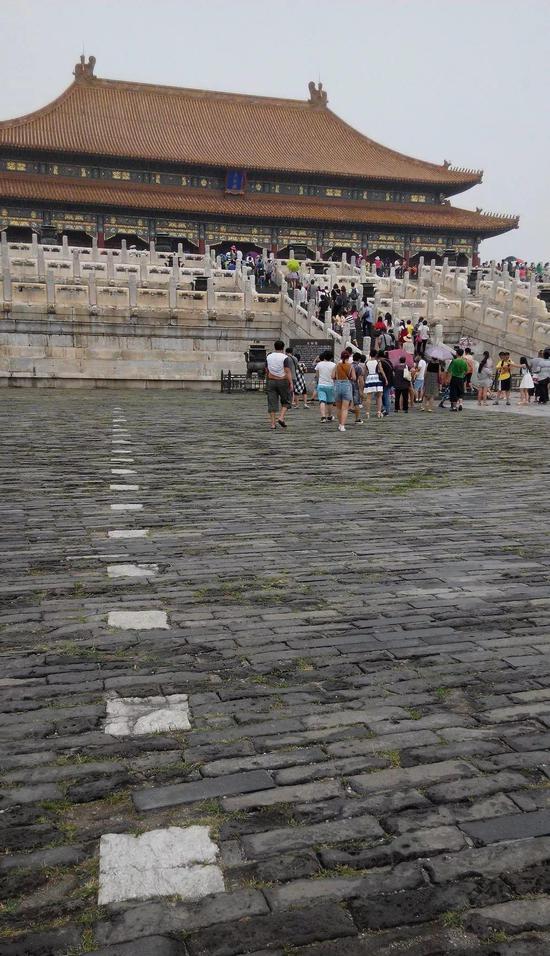 太和殿广场上的石线