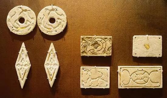 玻璃墓葬饰板 西周,公元前3-1世纪