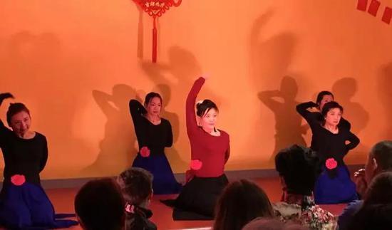 巴黎静雅瑜伽带来的舞韵瑜伽《神话》