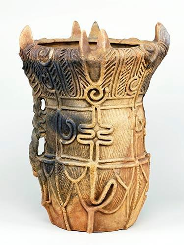 深钵形陶器 绳文时代(中期)·公元前3000年~公元前2000年
